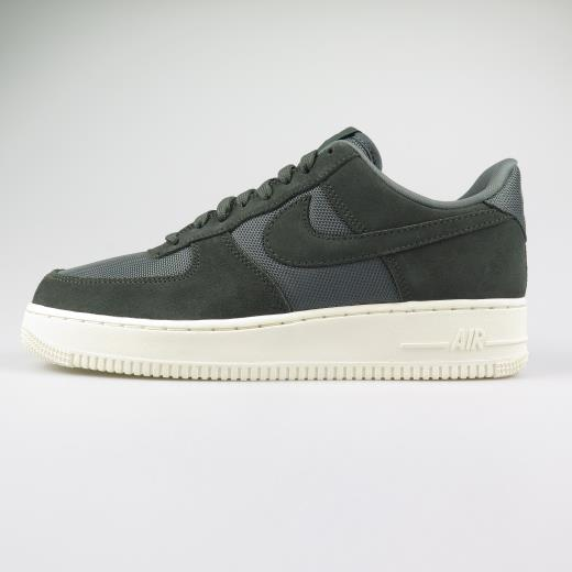 brand new 8fdde 3e3de NIKE SPORTSWEAR AIR FORCE 1  07 1 SPRUCE ...
