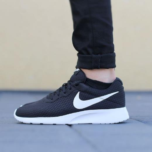 scarpa nike nera